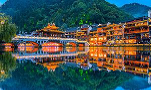 湘西凤凰古城美丽倒影摄影图片