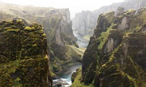 大山中的峡谷美景摄影图片