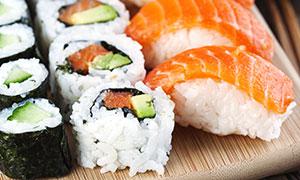 新鲜出品寿司近景特写摄影高清图片