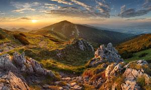 夕阳下山顶风光美景摄影图片