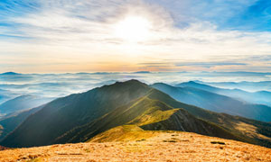 山顶美丽的日出景观全景图摄影图片