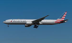 波音777-300ER双引擎客机高清图片