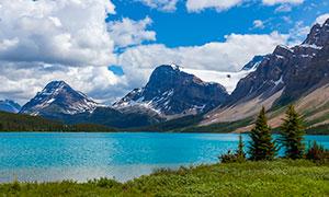 蓝天白云雪山湖泊风光摄影高清图片