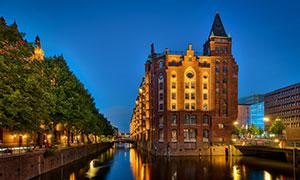 城市建筑明亮灯光照明摄影高清图片