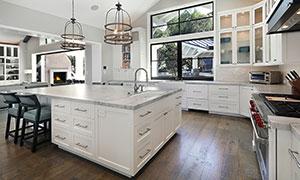 大空间开放式厨房布局摄影高清图片