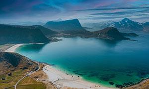 黄昏云彩湖光山色风景摄影高清图片