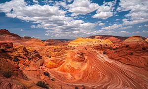 蓝天白云峡谷地貌风光摄影高清图片