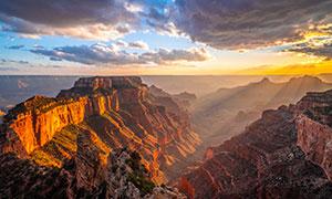 夕阳下的峡谷岩石风光摄影高清图片