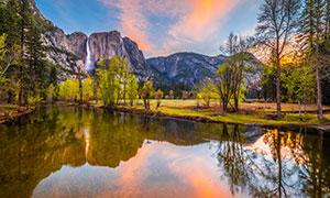 高山瀑布湖泊树木风景摄影高清图片