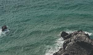海边波浪礁石自然风光摄影高清图片