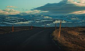 天空白云公路雪山风光摄影高清图片