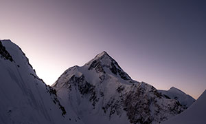 白雪皑皑巍峨险峻高山摄影高清图片