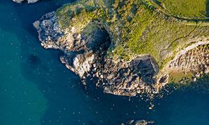 航拍镜头下的海岸风光摄影高清图片