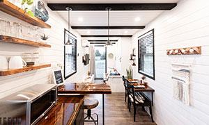 緊湊型居所的家具擺設攝影高清圖片