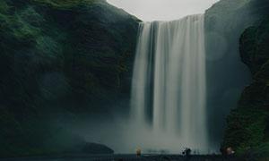 山间磅礴气势瀑布风光摄影高清图片