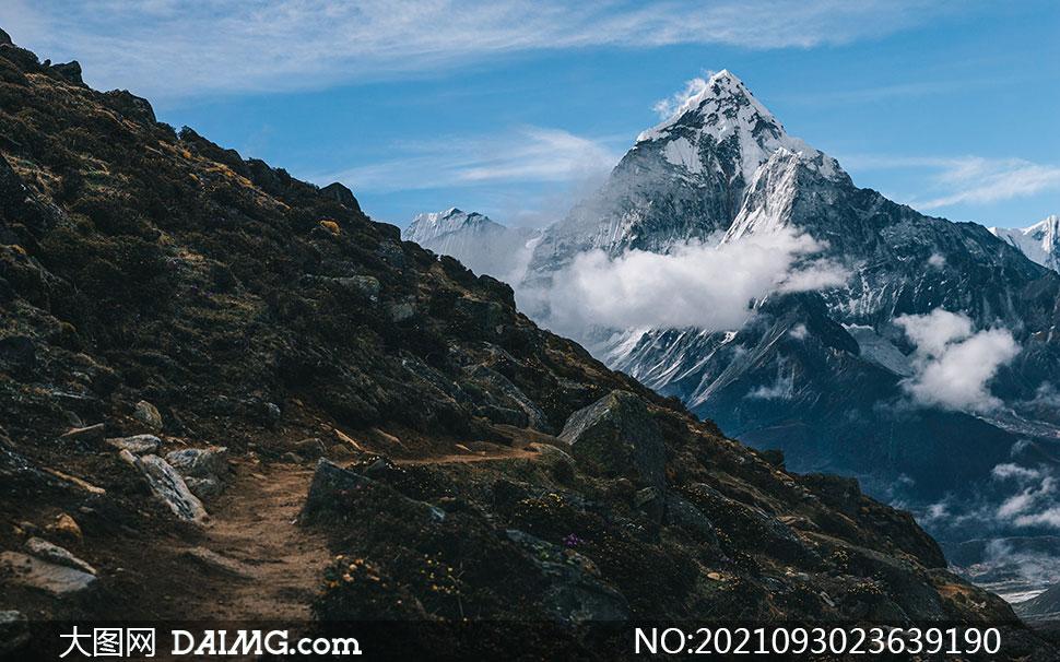 盘山小路与蓝天白云等摄影高清图片