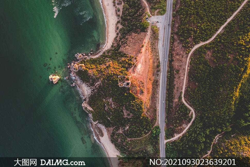 海岸植被公路风光鸟瞰摄影高清图片